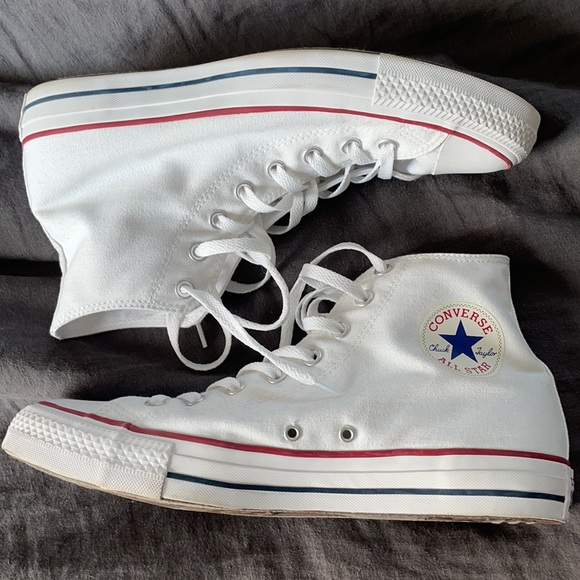 Classic White Converse Chuck Taylor